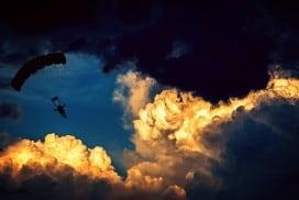 parachute-1843350_960_720